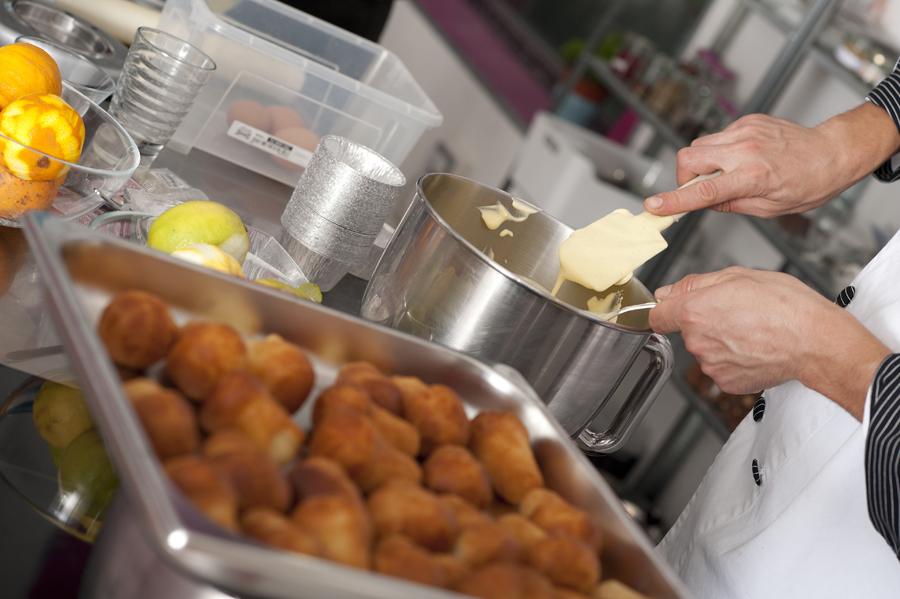 Golosi e appassionati corso base di pasticceria mind scuola di cucina roma - Corso base di cucina ...